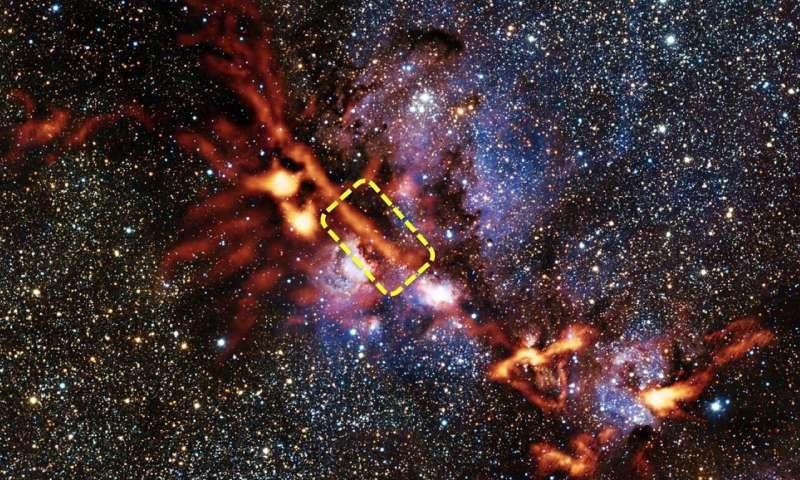 Filamento interstellare. Crediti ArTéMiS team/ESO/VISTA