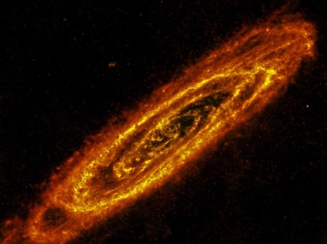 Galassia di Andromeda in infrarosso. Crediti NASA