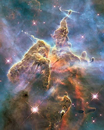 Nube molecolare nella Carina Nebula. Crediti Hubble Space Telescope/NASA/ESA