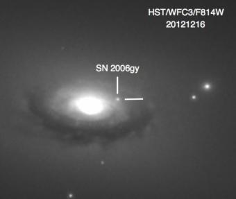 SN 2006gy in NGC1260. Crediti NASA/HST/Foz et al
