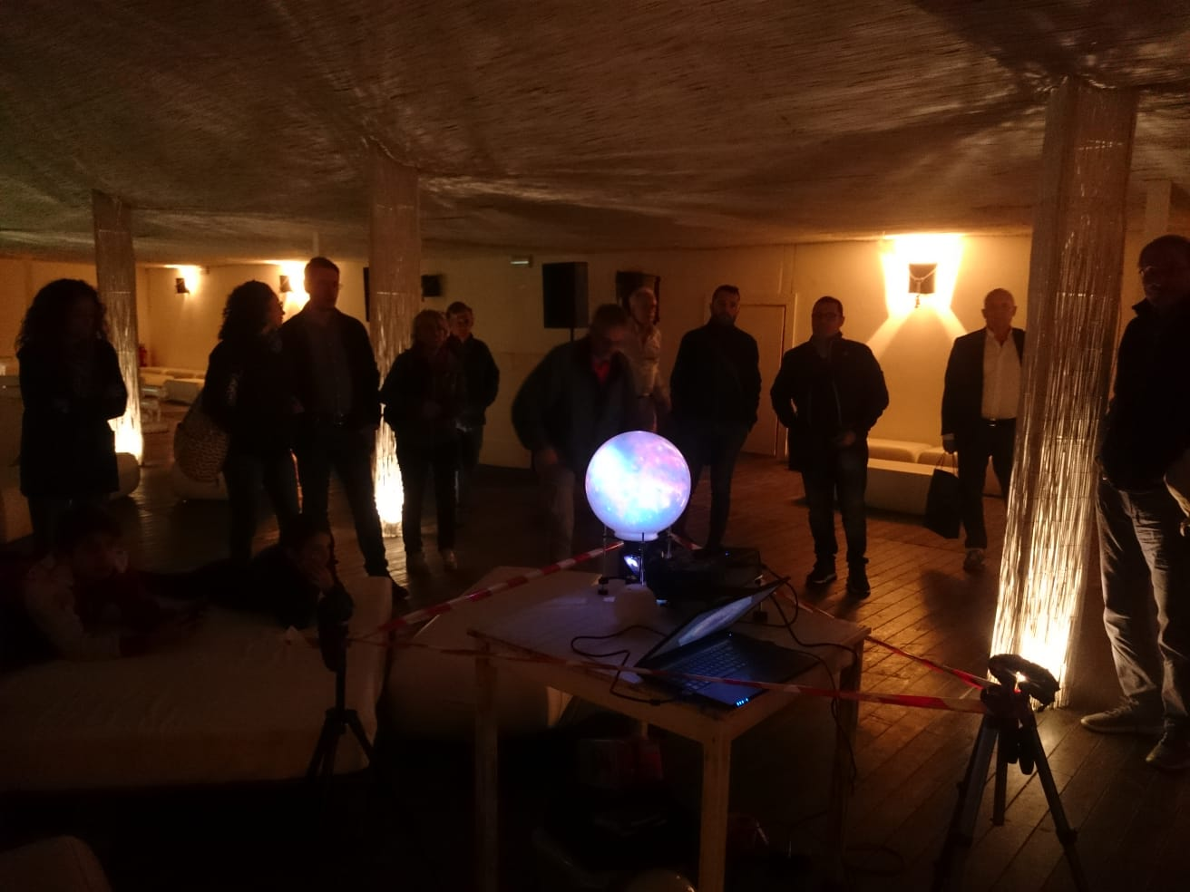 InOMN 2018 di AstronomiAmo al Gilda on the Beach. Il momento di Planets in a Room