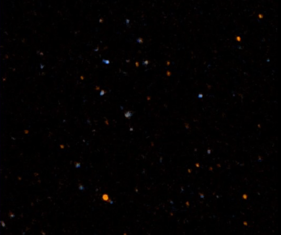 Prima immagine di GALEX, dedicata all'equipaggio dello Space Shuttle Columbia. Crediti NASA